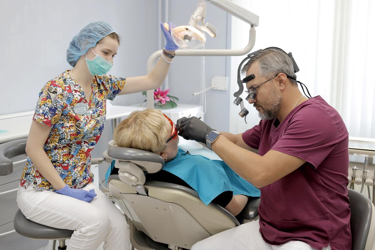 Как устанавливают зубные коронки в стоматологической клинике доктора Осиповой